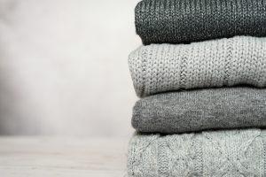 Pile de pulls en cachemire